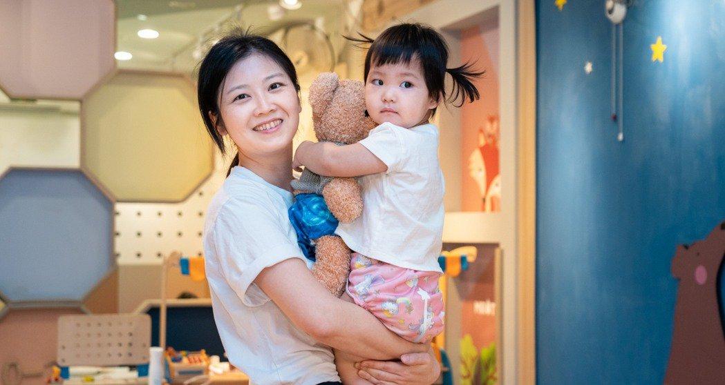 孵育環保日常-減塑媽媽,為寶開發「顯濕布尿布」